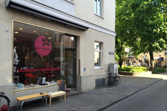 Kirschblüte München Geschäft Marktstr. 2